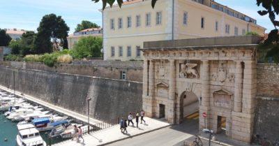 la porte de la Terre ferme de Zadar