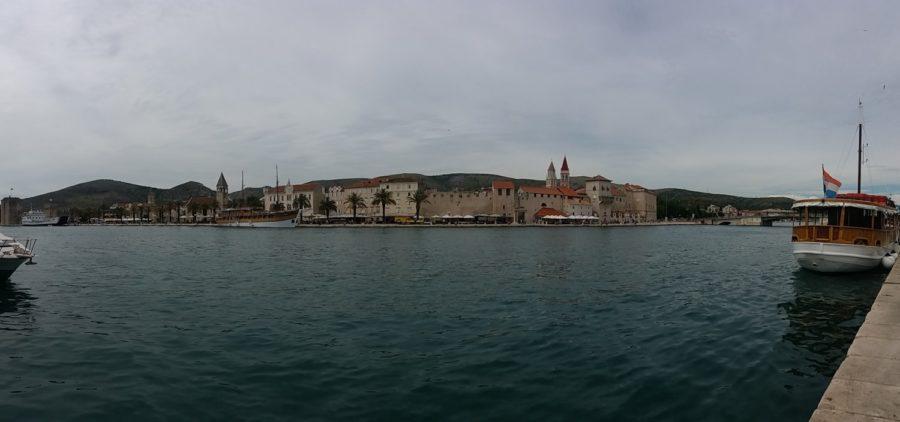 Trogir vue de la presqu'île de Ciovo