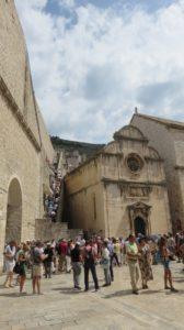 Les remparts de vieille ville et l'église St Sauveur - Dubrovnik